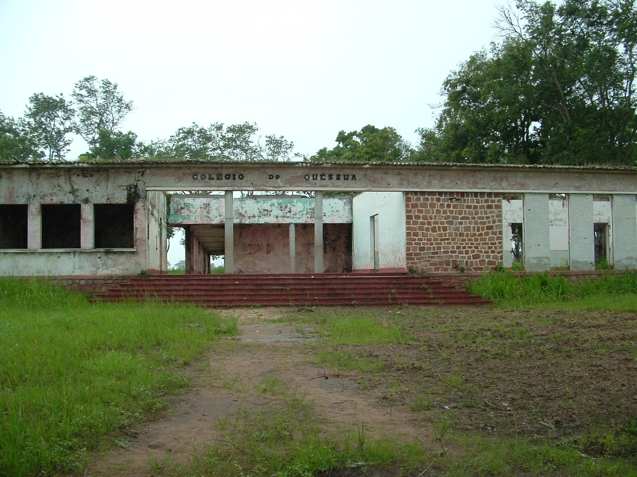 Quessua High School before reconstruction