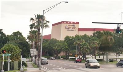Lakeland Center exterior