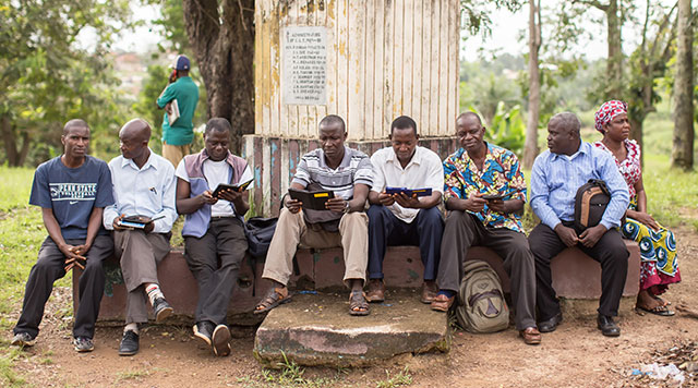 Students at seminary in Liberia study using e-readers