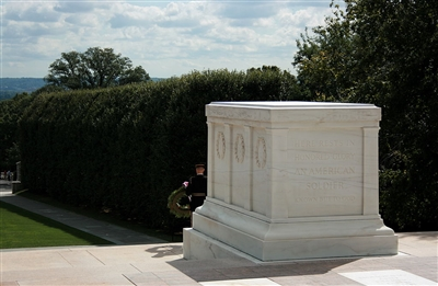 Tomb of unknown soldier at Arlington