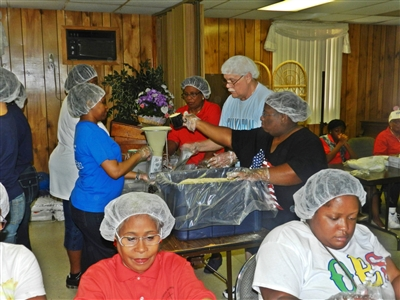 Ebenezer UMC volunteers package meals for Stop Hunger Now