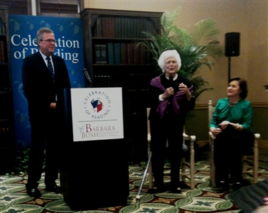 Jeb Bush, Barbara Bush, Doro Bush Koch at literacy news conference