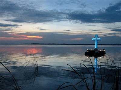 Lighted cross on Lake Griffin