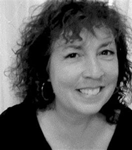 Debra Susie headshot